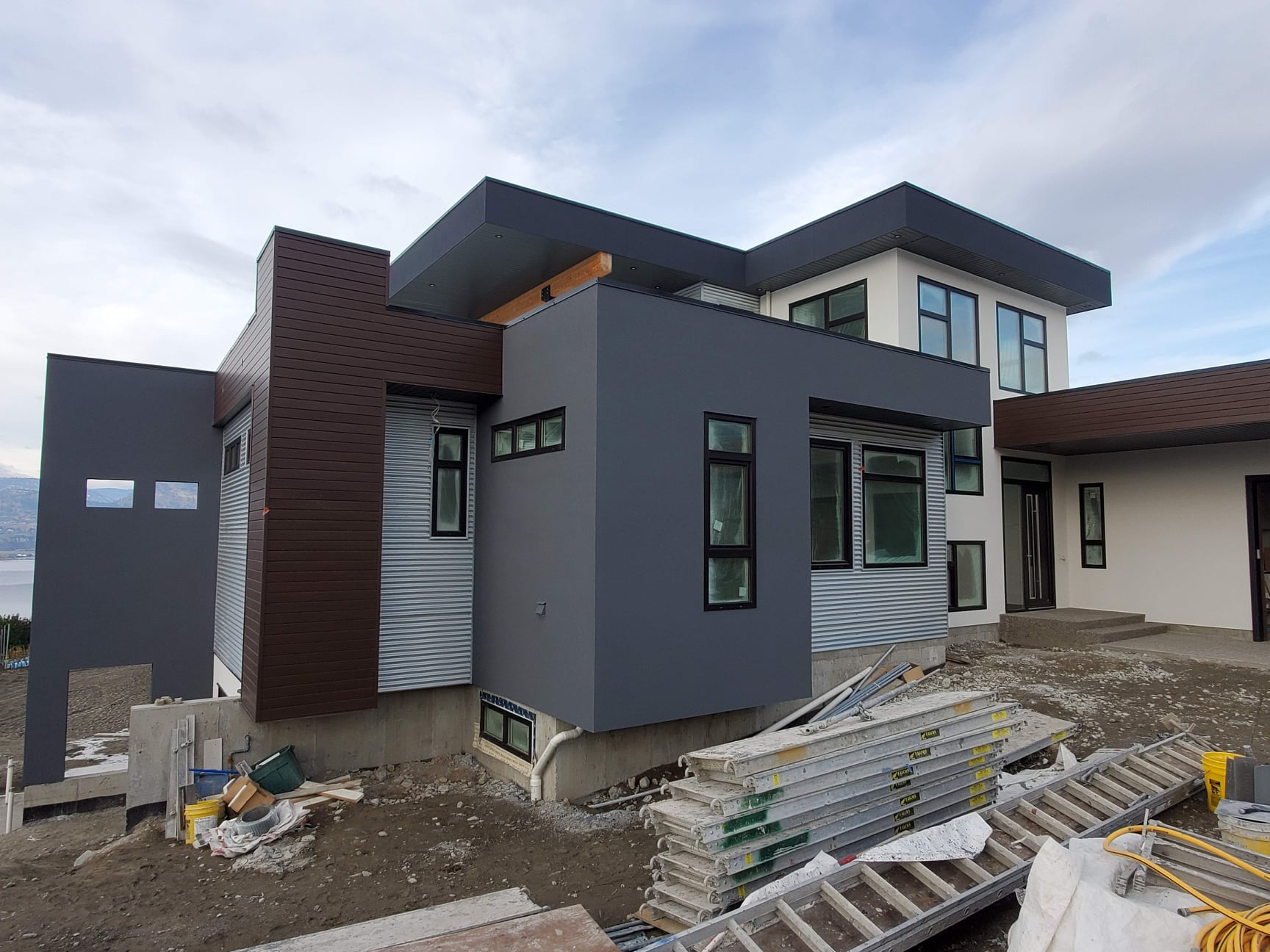 House is coming along fantabulously.